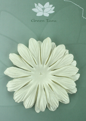 10cm petals. White Pack of 5.