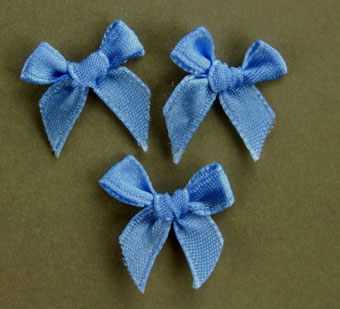 Pack of 100 2cm Bows. Blue.