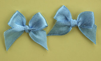 Pack of 50 3cm Bows. Blue.