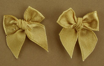 Pack of 50 3cm Bows. Gold Colour.