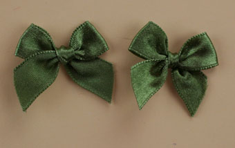 Pack of 50 3cm Bows.Olive.