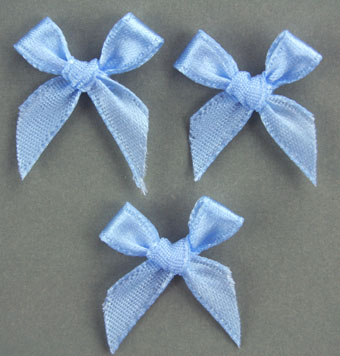 Pack of 100 2cm Bows. Pale Blue.