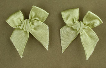 Pack of 50 3cm Bows. Pale Green.