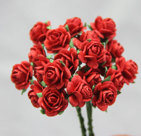 100 Roses 1.5cm Fire Engine Red