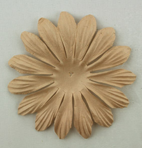 10cm petals. Light Brown Pack of 25.