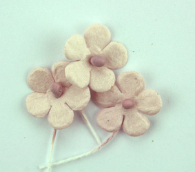 100 Flowers 1.5cm Taupe