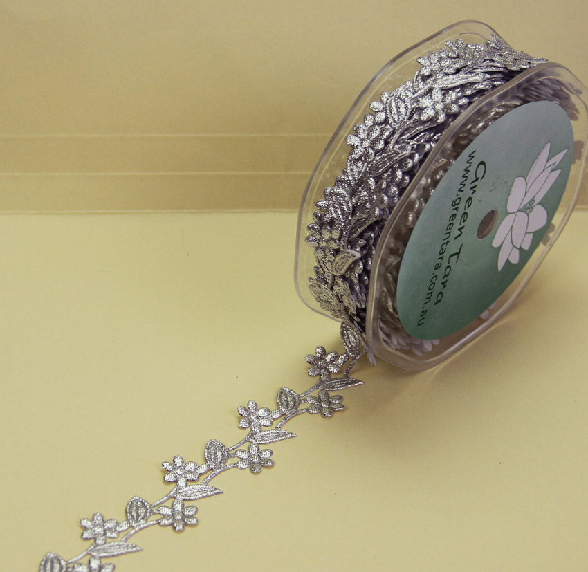 25mm Self Adhesive Flower Garland 10m Silver