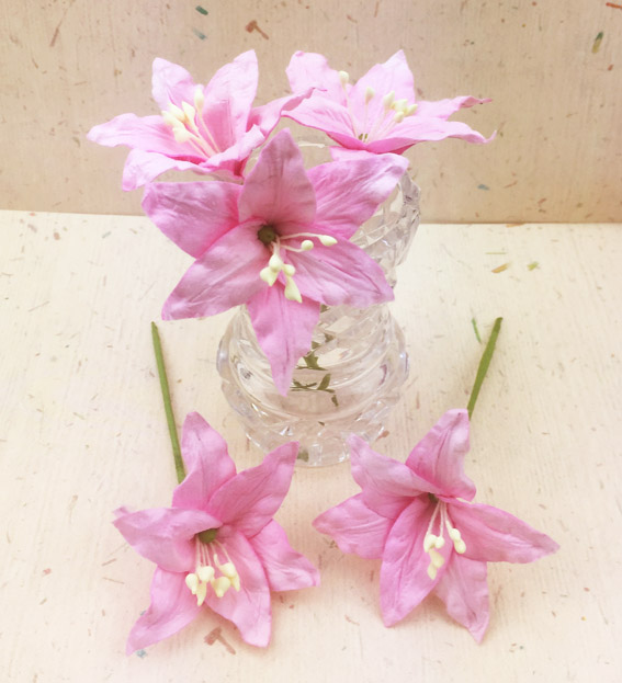 25 Wired Lilies 6.5cm, PALE PINK
