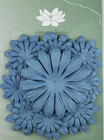 Pack of 22 mixed petals, Wedgewood Blue