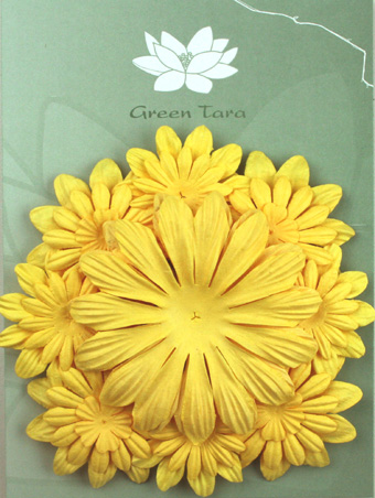 Pack of 22 mixed petals, Soft Yellow