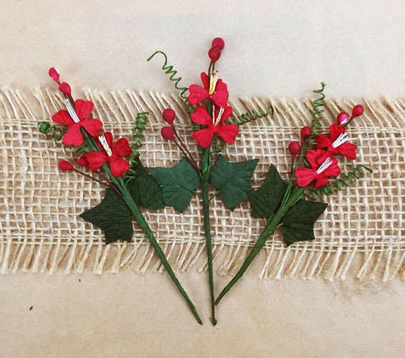 Xmas Bouquet Red/Green 10cm. Bulk Pack of 20.