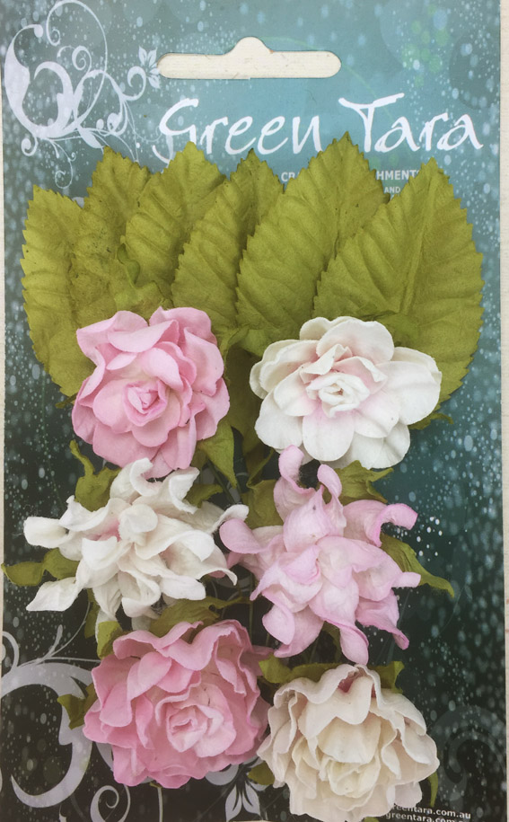 Tea Roses Pack of 6 Co-ordinated Roses 3cm with Leaves Pale Pink
