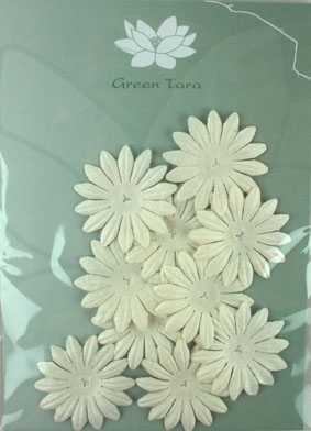 4cm Petals. White. Pack of 10