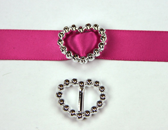Acrylic Silver Buckle Heart 2.5cm Pack of 25.