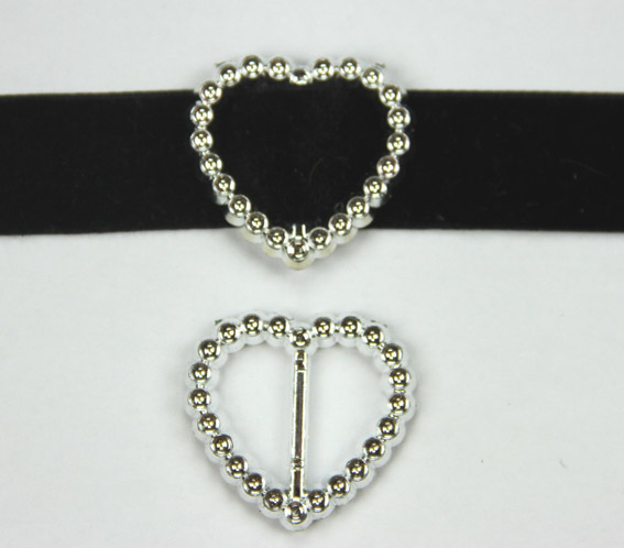 Acrylic Silver Buckle Heart 3.3cm Pack of 25.