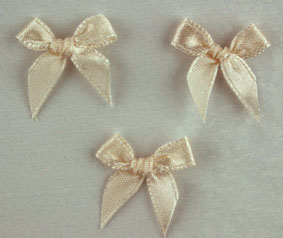 Pack of 100 2cm Bows. Taupe.
