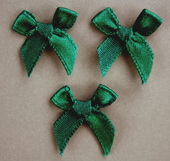 Pack of 100 2cm Bows. Emerald.