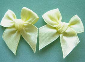 Pack of 50 3cm Bows. Lemon.