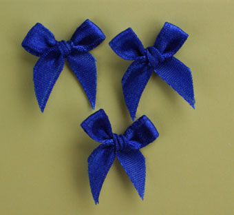 Pack of 100 2cm Bows. Navy.