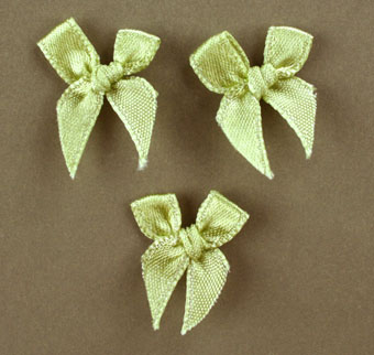 Pack of 100 2cm Bows. Pale Green.