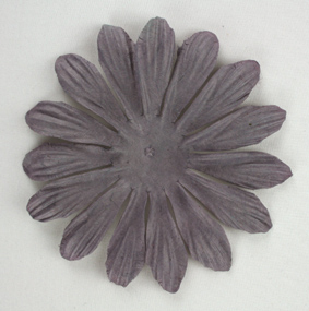 10cm petals. Aubergine Pack of 25.