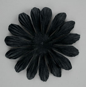 10cm petals. Black Pack of 25.