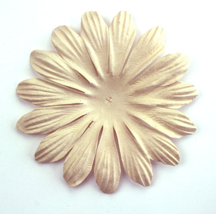 10cm petals Beige. Pack of 25.