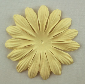 10cm petals. Cream Pack of 25.