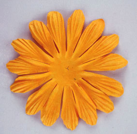10cm petals. Gold Pack of 25.