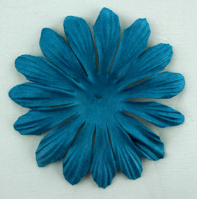 10cm petals. Liquid Pack of 25.
