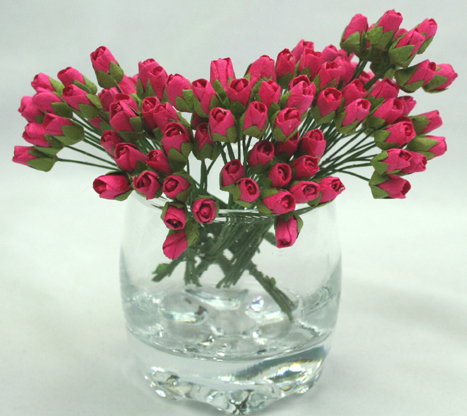 100 Mini Rosebuds 1cm Hot Pink