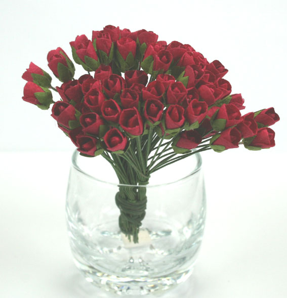 100 Mini Rosebuds 1cm Red