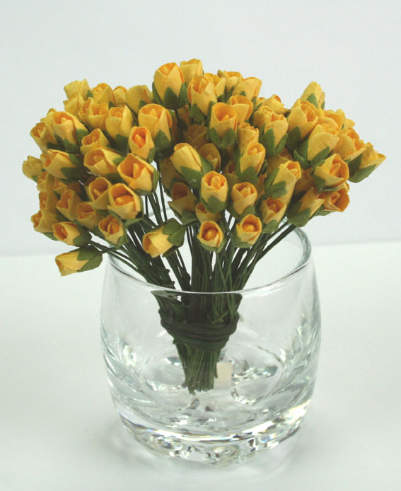 100 Mini Rosebuds 1cm Yellow