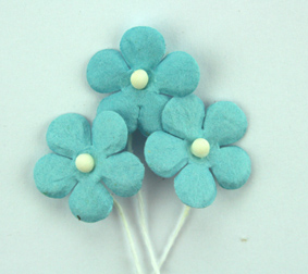 100 Flowers 1.5cm Pale Blue