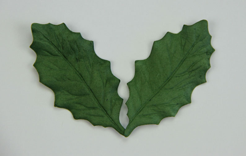 100 Holly Leaves 6cm Green