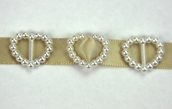 100 Pearl Heart Buckles 1.5cm Ivory