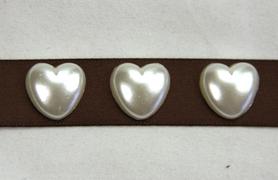 100 Pearl Hearts 1.5cm Ivory