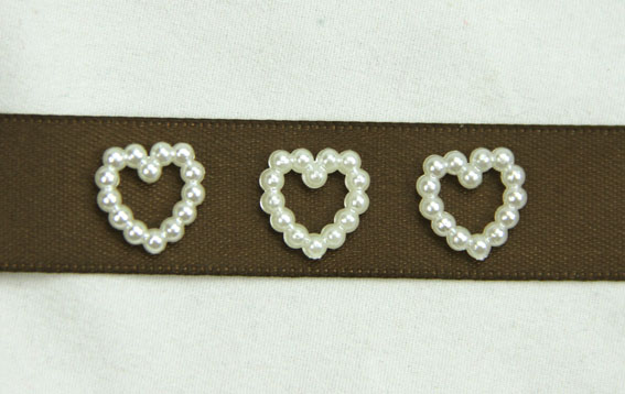 100 Pearl Heart 1cm Ivory