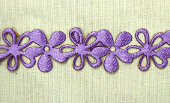 20mm Self Adhesive Flower Garland 10m Roll Lavender