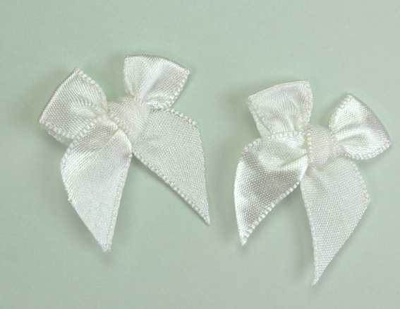 Pack of 50 3cm Bows. Wedding White