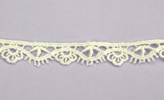 21 Yards Lace, 1.3 cm  Off White