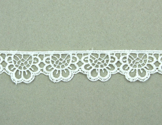21 Yards Lace, 2cm White