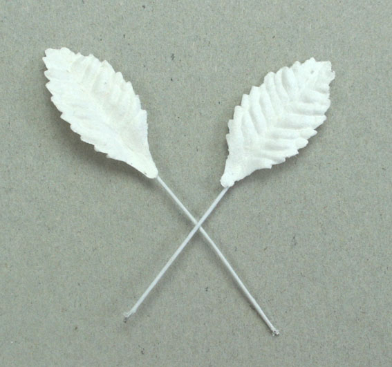 100 Paper Leaves 2.5cm White