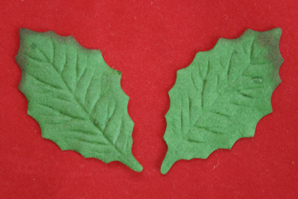 100 Small Holly Leaves 4cm Green