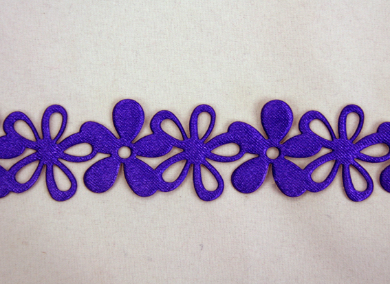 20mm Self Adhesive Flower Garland 10m Roll Purple