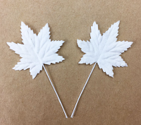 100 Small Maple Leaves White 3cm