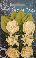 Tea Roses Pack of 6 Co-ordinated Roses 3cm with Leaves Cream